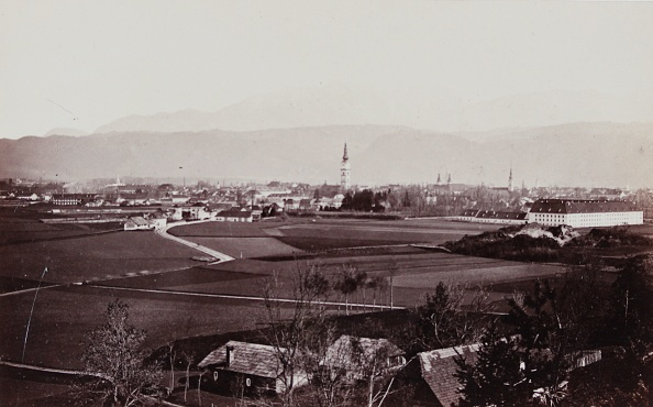 Architectural Feature「Klagenfurt: General View. About 1885. Photograph By Alois Beer / Klagenfurt. Photograph.」:写真・画像(9)[壁紙.com]