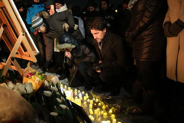 Prime Minister「Vigil Held In Ottawa For Victims Of Ukraine International Airlines Crash」:写真・画像(1)[壁紙.com]
