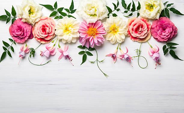 Flower composition:スマホ壁紙(壁紙.com)