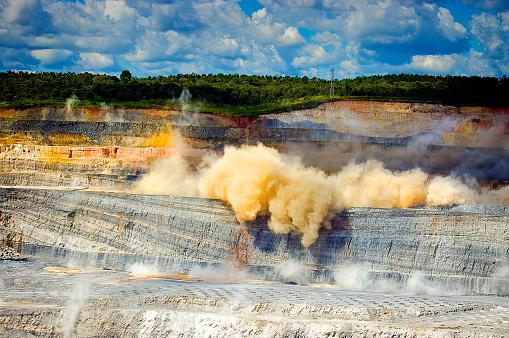 Explosive「Coal Mine」:スマホ壁紙(7)