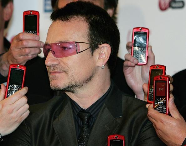 Wireless Technology「Bono Launches Product Red: Motorola Phone」:写真・画像(7)[壁紙.com]