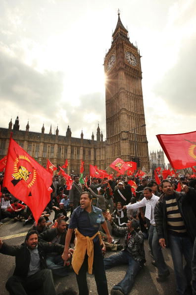Sri Lankan Ethnicity「Tamil Demonstrators Besiege Parliament」:写真・画像(8)[壁紙.com]