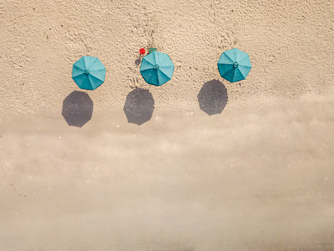 Beach Umbrella「Bali, Kuta Beach, three beach umbrellas, aerial view」:スマホ壁紙(13)