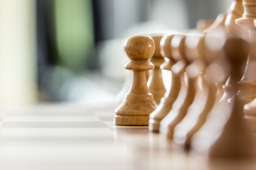 チェス「Wood pawns」:スマホ壁紙(4)