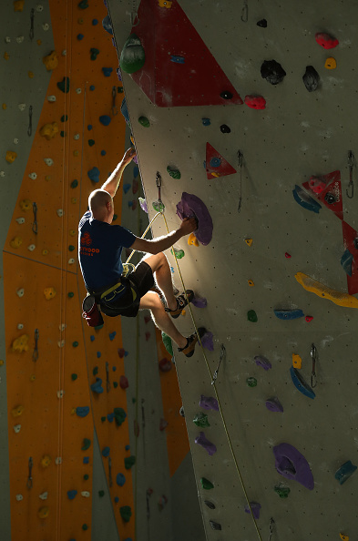 クライミング「Far From Mountains, Climbers Keep In Shape」:写真・画像(2)[壁紙.com]