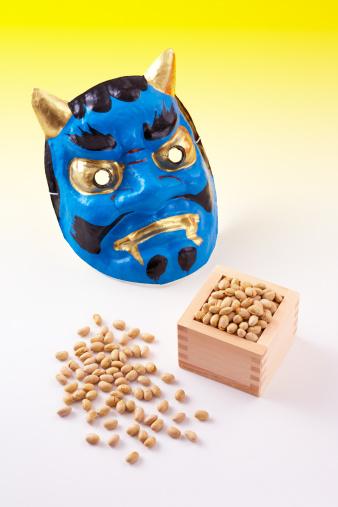 Setsubun「Japanese mask and soy beans」:スマホ壁紙(11)