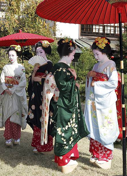 Traditional Tea Ceremony Performed In Kyoto:ニュース(壁紙.com)