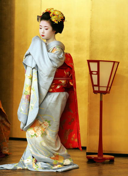 着物「Traditional Tea Ceremony Performed In Kyoto」:写真・画像(9)[壁紙.com]