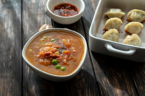 Chili Sauce「Chinese food: fried Jiaozi and tomato soup」:スマホ壁紙(18)