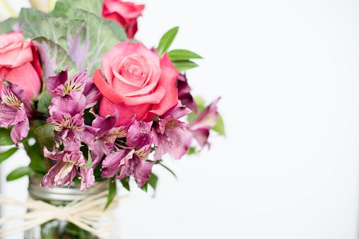 Millennial Generation「Detail of multicolored bouquet of flowers」:スマホ壁紙(16)