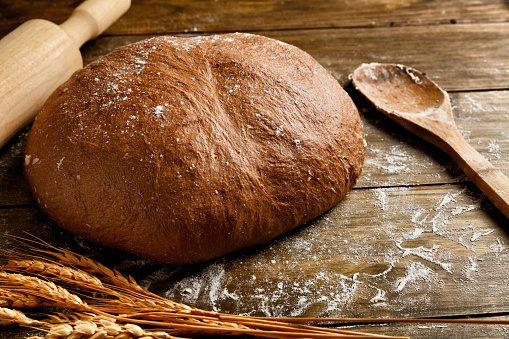 Bun - Bread「Artisanal Sourdough Bread making, ingredients and utensils.」:スマホ壁紙(16)