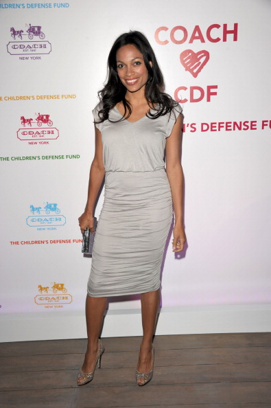 Silver Colored「Coach Hosts An Evening of Cocktails and Shopping To Benefit The Children's Defense Fund - Red Carpet」:写真・画像(1)[壁紙.com]