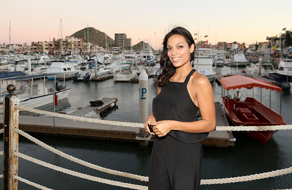 Baja California Peninsula「Rosario Dawson Attends The Los Cabos International Film Festival Closing Night Gala In Cabo San Lucas, Mexico」:写真・画像(7)[壁紙.com]