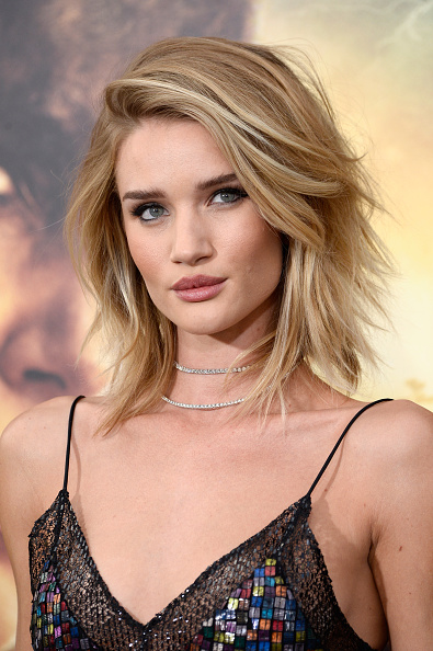 "Rosie Huntington-Whiteley「Premiere Of Warner Bros. Pictures' ""Mad Max: Fury Road"" - Arrivals」:写真・画像(19)[壁紙.com]"