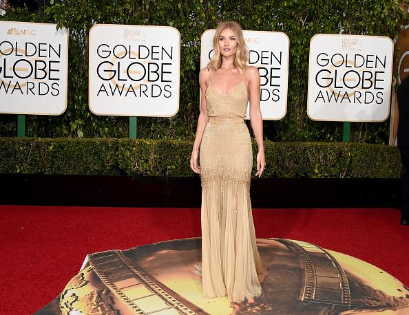 ロージー・ハンティントン・ホワイトリー「73rd Annual Golden Globe Awards - Arrivals」:写真・画像(2)[壁紙.com]
