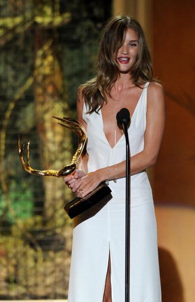 """ロージー・ハンティントン・ホワイトリー「Spike TV's 5th Annual 2011 """"Guys Choice"""" Awards - Show」:写真・画像(12)[壁紙.com]"""