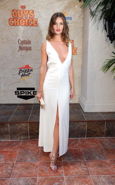 ノースリーブワンピース「Spike TV's 5th Annual 2011 'Guys Choice' Awards - Arrivals」:写真・画像(19)[壁紙.com]