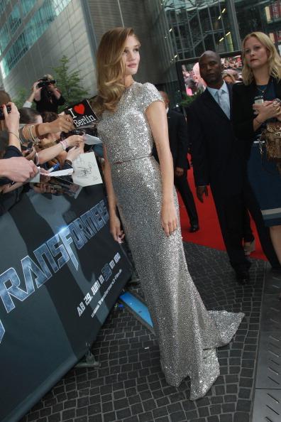 """ロージー・ハンティントン・ホワイトリー「""""Transformers 3"""" Germany Premiere」:写真・画像(17)[壁紙.com]"""