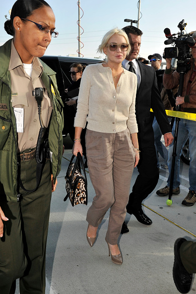 Oversized Purse「Lindsay Lohan Probation Hearing」:写真・画像(9)[壁紙.com]