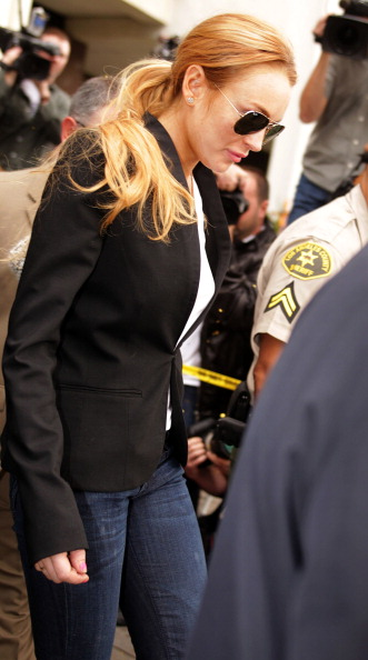 Personal Accessory「Lindsay Lohan Attends Probation Violation Hearing」:写真・画像(6)[壁紙.com]