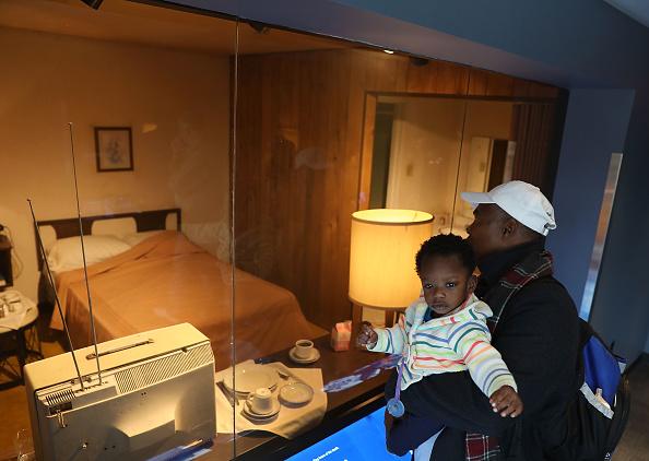 Bestpix「Memphis Marks 50th Anniversary Of Martin Luther King Jr's Assassination」:写真・画像(5)[壁紙.com]