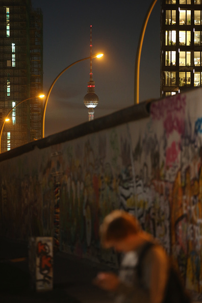 Wireless Technology「Berlin To Mark 25th Anniversary Of The Fall Of The Wall」:写真・画像(5)[壁紙.com]