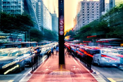 Avenue「Rush hour at Paulista Avenue」:スマホ壁紙(5)