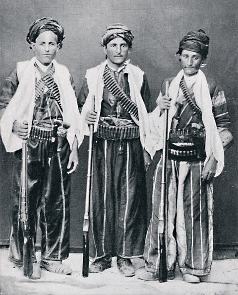 Kurdish「Kurdish Mountain Brigands」:写真・画像(5)[壁紙.com]