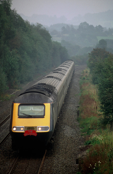 Nameplate「The last Midland Mainline RIO service from London St Pancras to Manchaster Piccadilly via the Hope Valley Line is seen here as it travels northbound through the beautifull Peak District National Park near Bamford. For this special occassion the train car」:写真・画像(4)[壁紙.com]