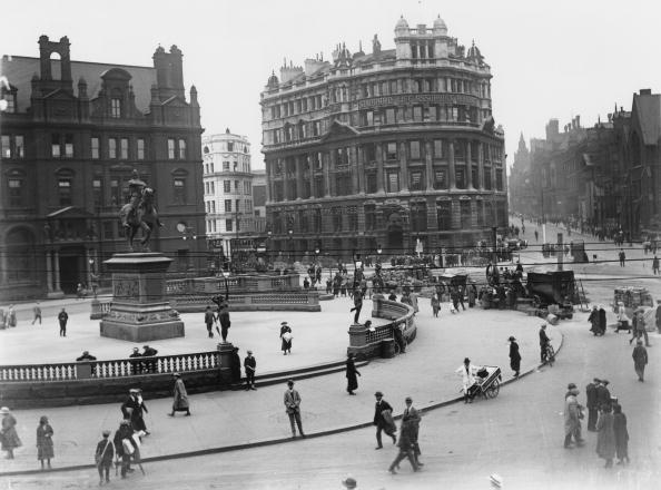 Town Square「Leeds City Square」:写真・画像(12)[壁紙.com]