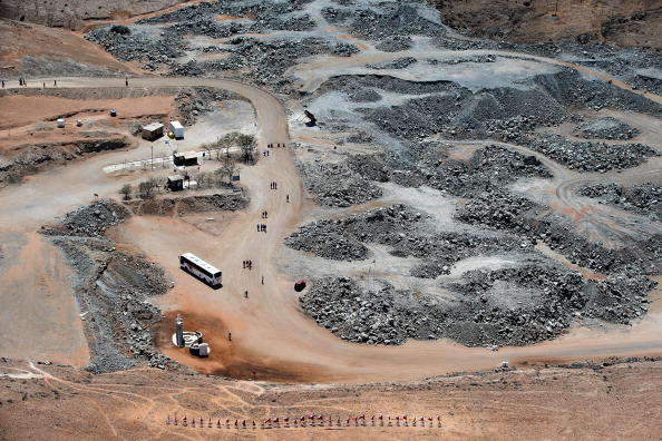 Mining - Natural Resources「Aerial Views Of Site Of Rescue Of Chilean Miners」:写真・画像(13)[壁紙.com]
