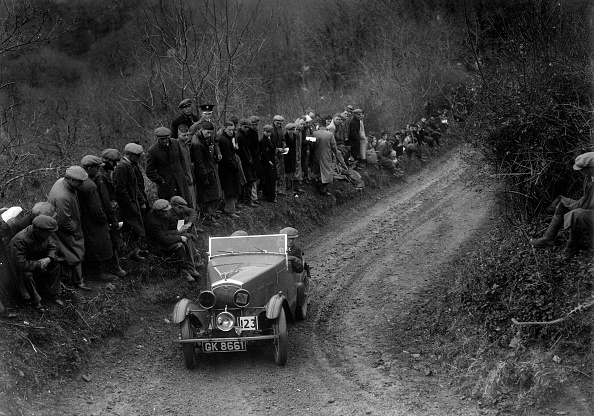 Country Road「Wolseley Hornet of WR Hancock competing in the MCC Lands End Trial, 1935」:写真・画像(5)[壁紙.com]