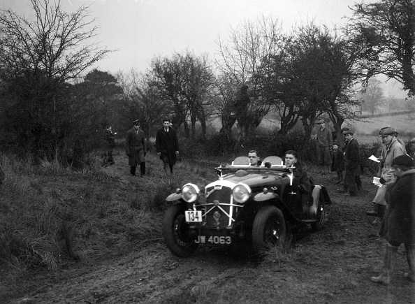 Dirt Road「Wolseley Hornet of HK Crawford at the Sunbac Colmore Trial, near Winchcombe, Gloucestershire, 1934」:写真・画像(14)[壁紙.com]