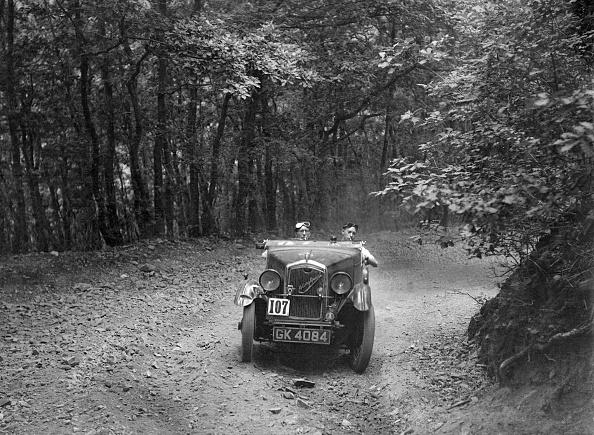 Country Road「Wolseley Hornet McEvoy Special, B&HMC Brighton-Beer Trial, Fingle Bridge Hill, Devon, 1934」:写真・画像(2)[壁紙.com]