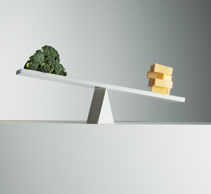 Broccoli「Cheese tipping seesaw with broccoli on opposite end」:スマホ壁紙(13)