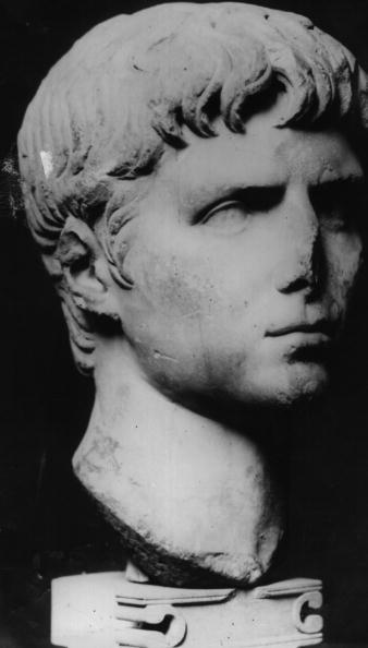 Salad「Caligula」:写真・画像(1)[壁紙.com]