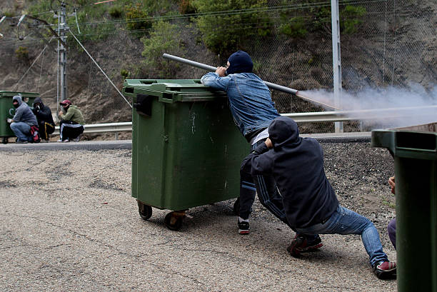 Spanish Miners Clash With Police As Nationwide Strike Continues:ニュース(壁紙.com)