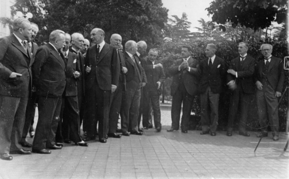 Vaud Canton「Opening of the Lausanne Conference of reparations between Germany and the victorious powers of World War II. The chief delegates (left to right) James Ramsay MacDonald, Neville Chamberlain, Edouard Herriot and Franz von Papen. Hotel Beau Rivage. Lusanne. S」:写真・画像(3)[壁紙.com]