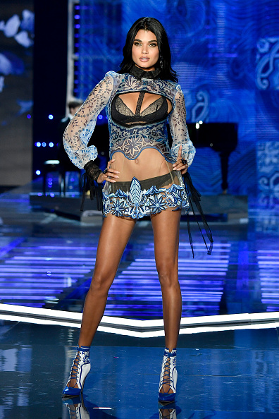 Mercedes-Benz Arena - Shanghai「2017 Victoria's Secret Fashion Show In Shanghai - Show」:写真・画像(15)[壁紙.com]