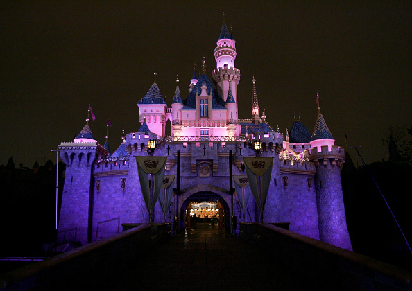 Castle「Disneyland 50th Anniversary Celebration」:写真・画像(2)[壁紙.com]