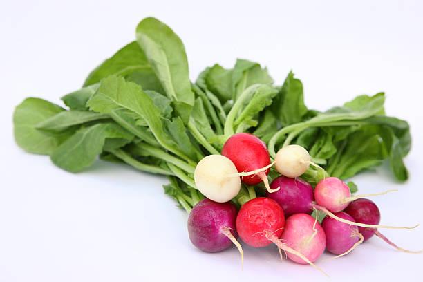 Organic Easter Egg radishes in a bunch.:スマホ壁紙(壁紙.com)