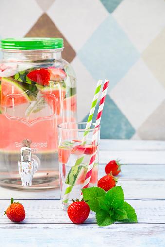 メロン「Detox water, infused water, watermelon, strawberry and mint」:スマホ壁紙(12)