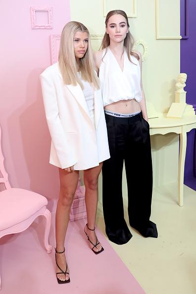 Anna Webber「alice + olivia by Stacey Bendet Spring 2020 Fashion Presentation」:写真・画像(5)[壁紙.com]