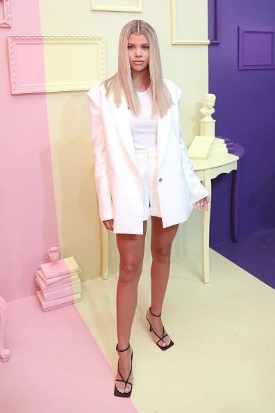 Anna Webber「alice + olivia by Stacey Bendet Spring 2020 Fashion Presentation」:写真・画像(3)[壁紙.com]