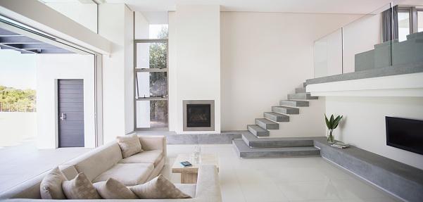 Panoramic「Modern living room」:スマホ壁紙(15)