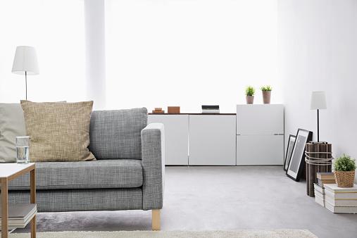 ソファ「Modern living room with couch and sideboard」:スマホ壁紙(12)