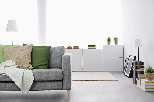 Cologne「Modern living room with couch and sideboard」:スマホ壁紙(0)