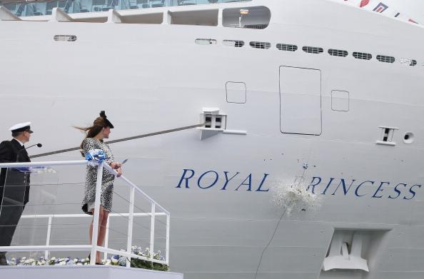 Passenger Craft「The Duchess Of Cambridge Attends Princess Cruises Ship Naming Ceremony」:写真・画像(3)[壁紙.com]