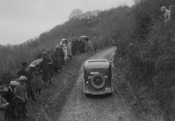 Silver - Metal「Standard saloon of AG Jones competing in the MCC Lands End Trial, 1935」:写真・画像(12)[壁紙.com]