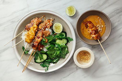 Barbecue Grill「Thai chicken satay with peanut sauce」:スマホ壁紙(11)